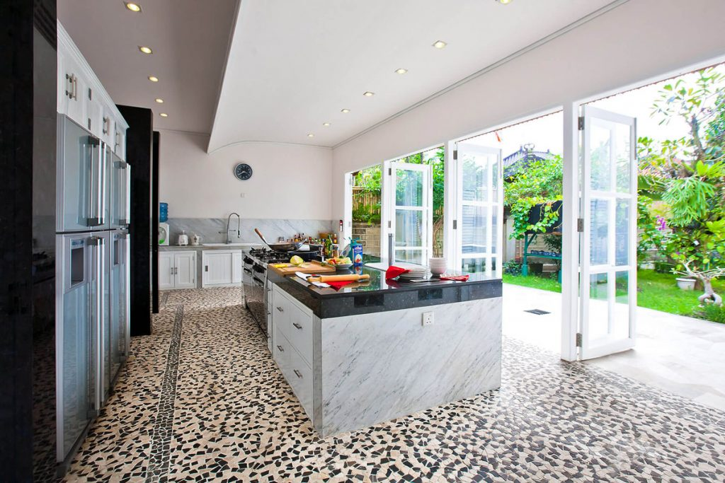 Villa Puri Nirwana Kitchen and view