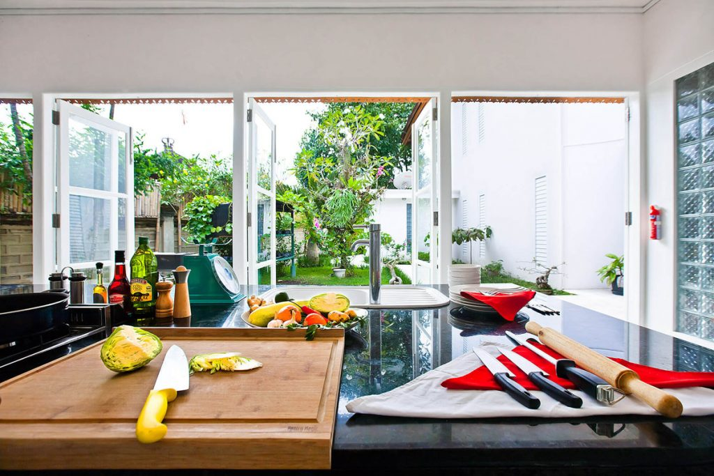 Villa Puri Nirwana Kitchen with garden outlook