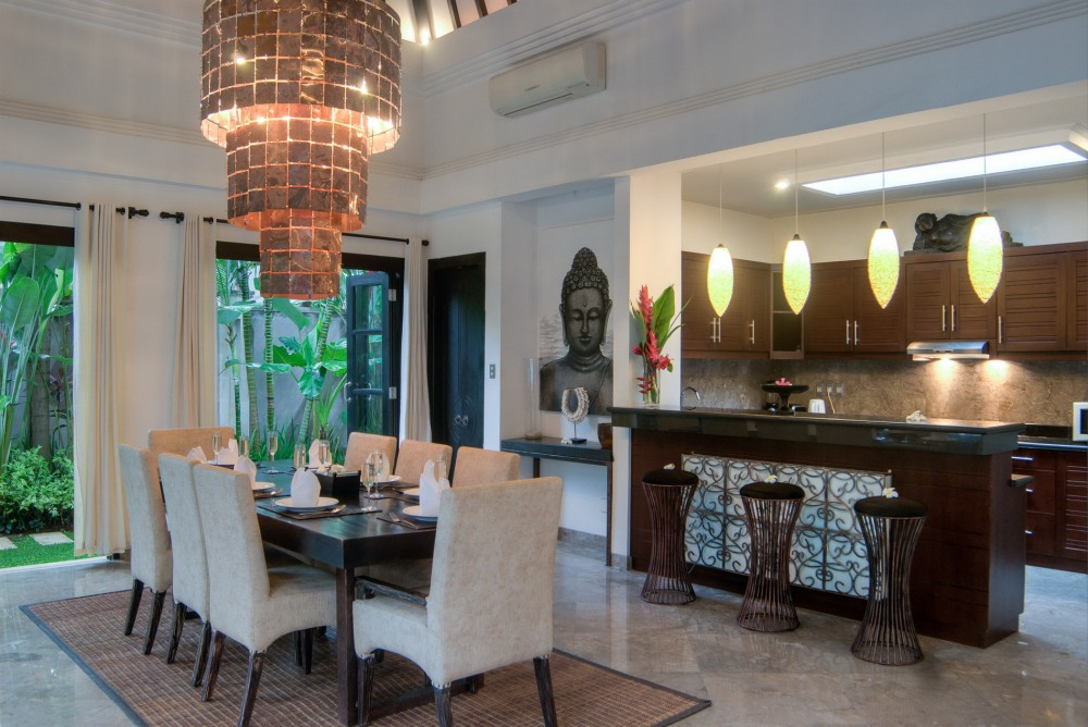 villa-senang-the-residence-seminyak-dining-table-kitchen