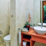 villa-shanti-the-residence-seminyak-bathroom