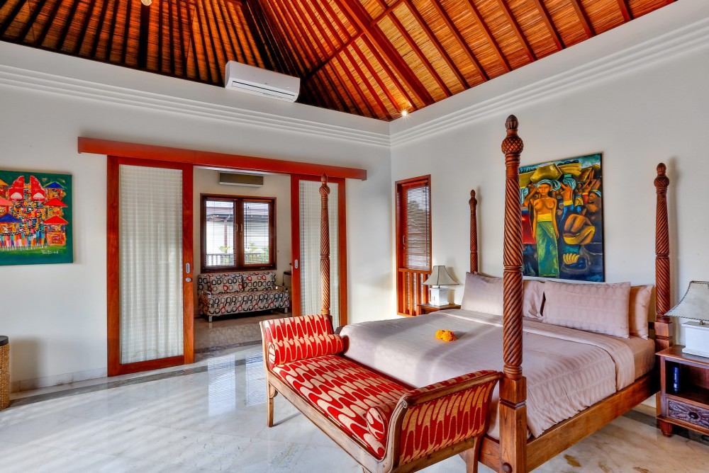 villa-shanti-the-residence-seminyak-bedroom-1