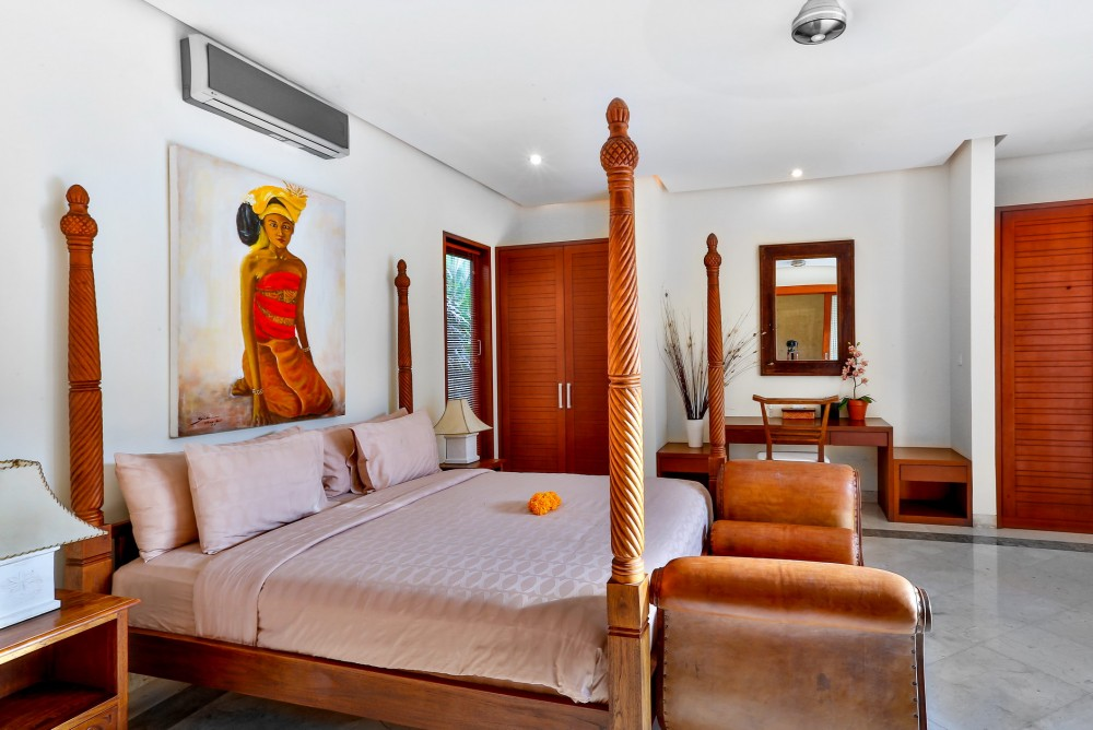 villa-shanti-the-residence-seminyak-bedroom-3