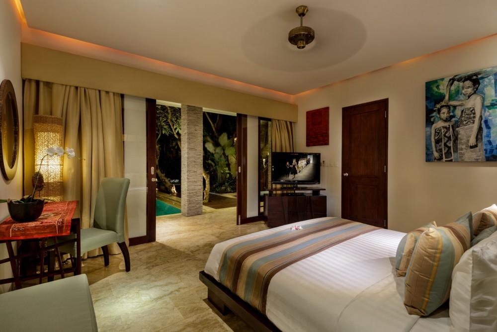 villa-siam-the-residence-seminyak-bedroom-6
