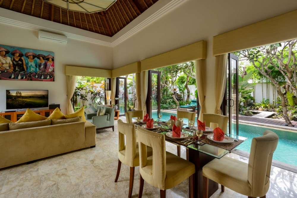 villa-siam-the-residence-seminyak-dining-table-view-pool