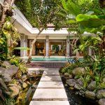 villa-siam-the-residence-seminyak-entrance