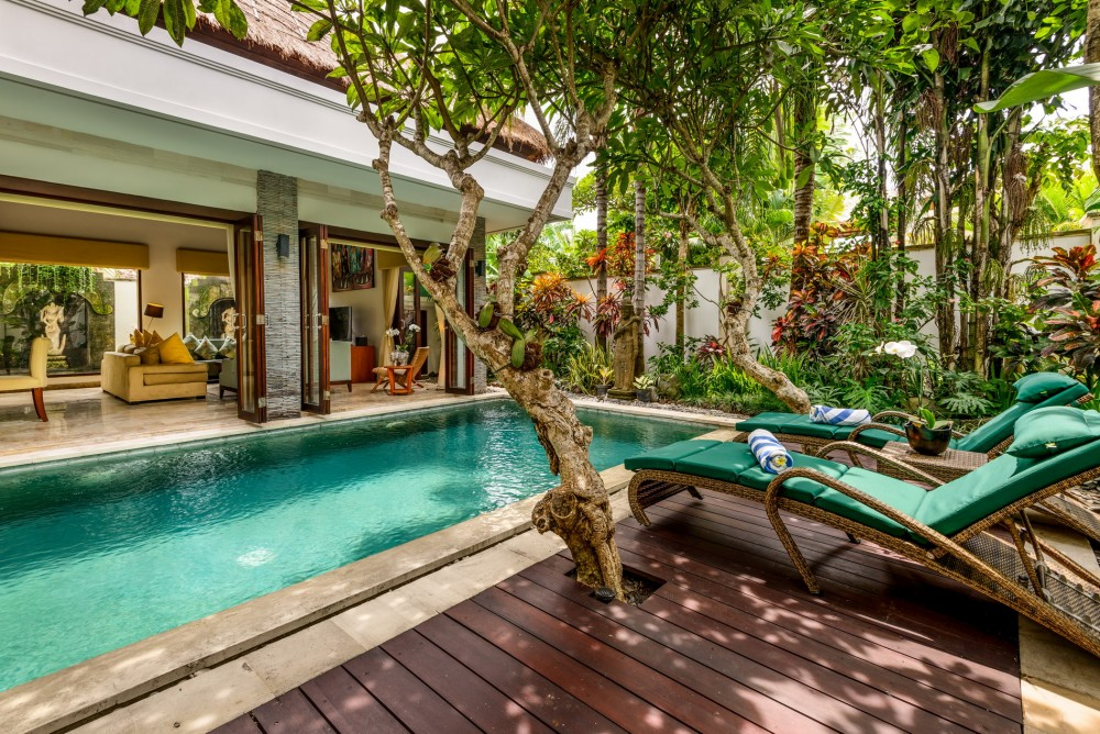 villa-siam-the-residence-seminyak-exterior-pool