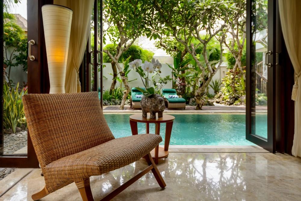 villa-siam-the-residence-seminyak-exterior3