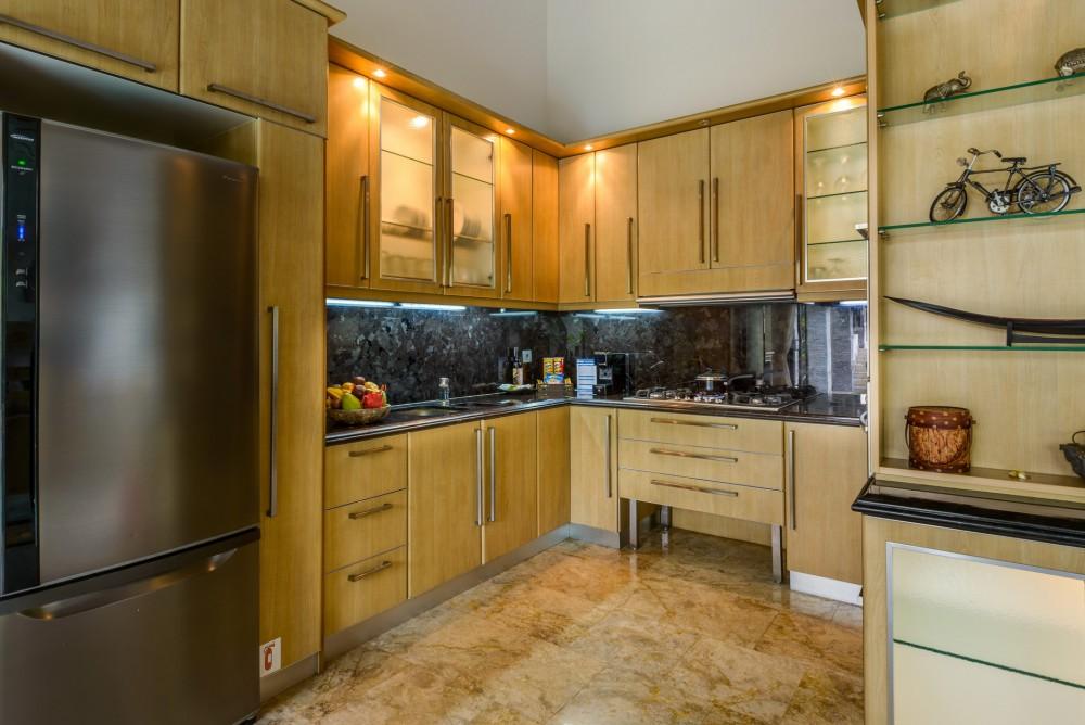 villa-siam-the-residence-seminyak-kitchen