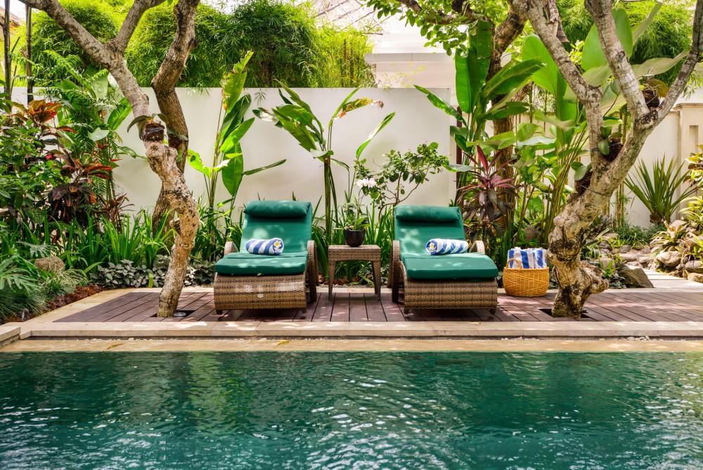 villa-siam-the-residence-seminyak-sun-loungers