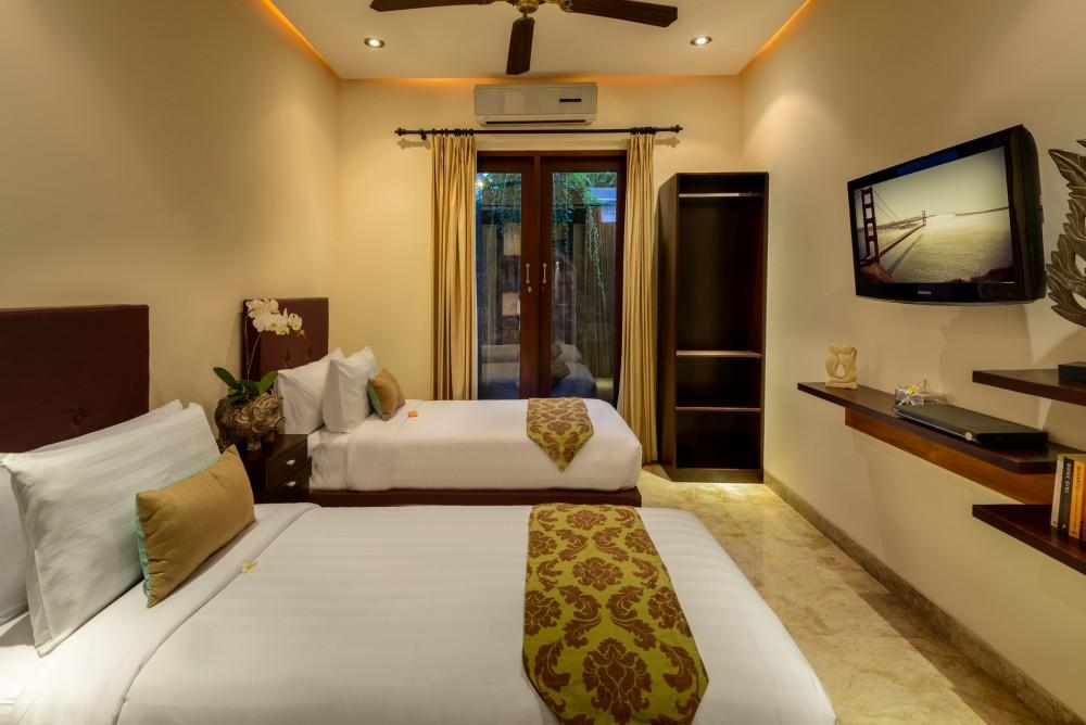 villa-siam-the-residence-seminyak-twin-bedroom-tv