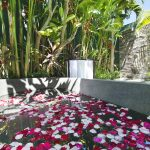 Villa Theo Umalas Garden Bathtub