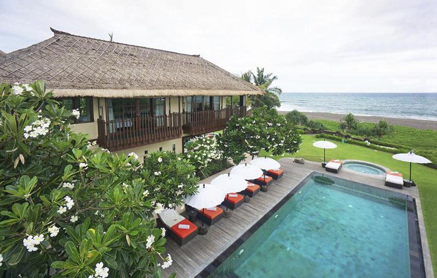 5 Luxury Beachfront Villas