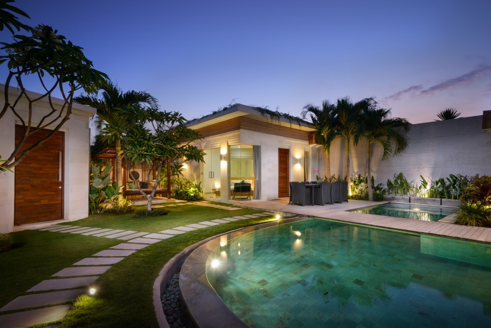 villa-miro-bali-pool-evening