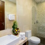 villa-sophia-legian-bathroom-view