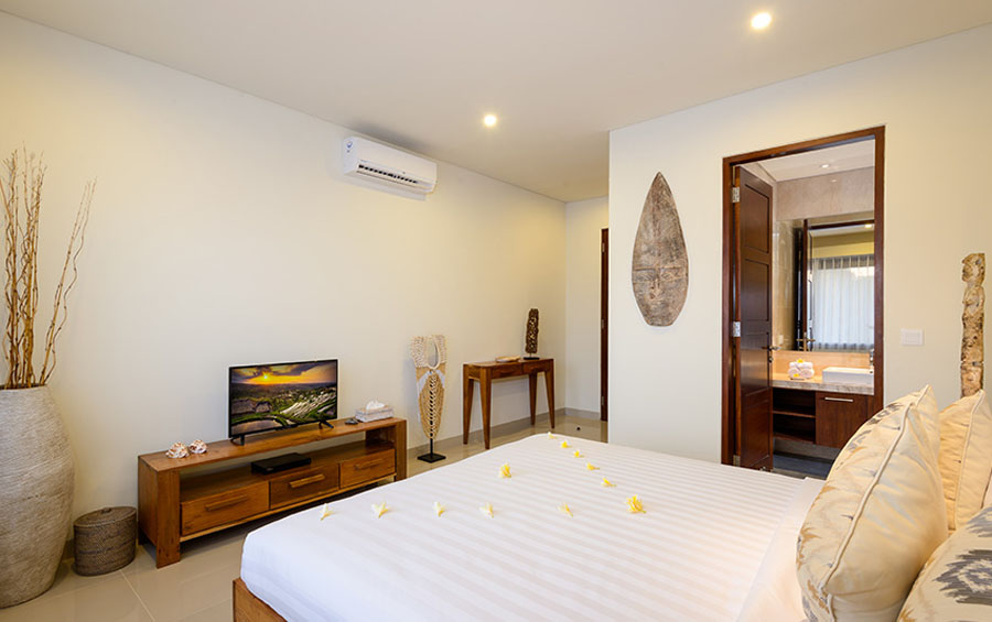 villa-sophia-legian-bedroom-upstair
