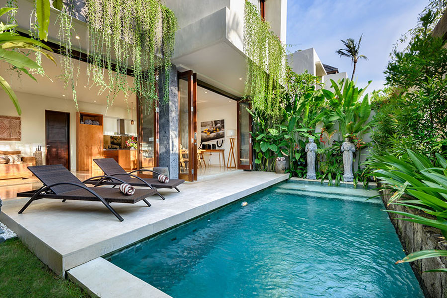 villa-sophia-legian-pool-day-view