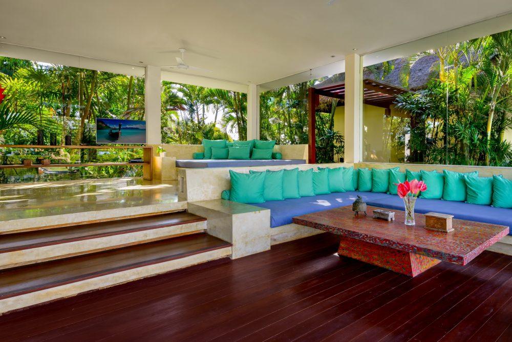 Villa-Shalimar-Makanda-Living-room-sofas