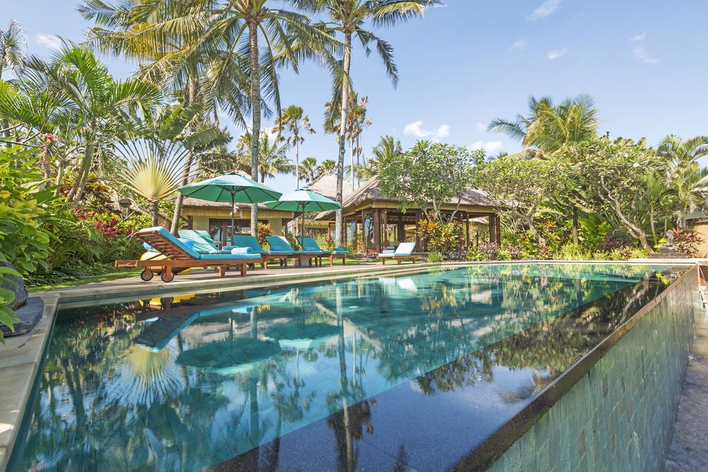 Villa Tanju – Beachfront Villa